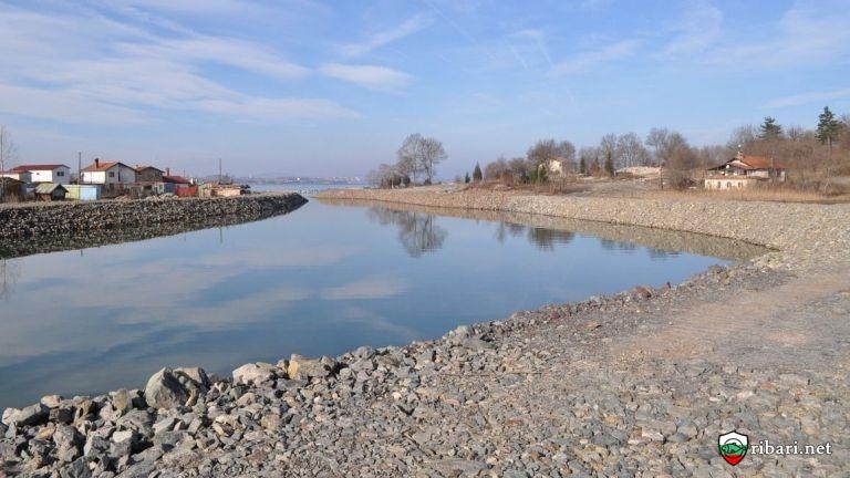 В Бургас започна мащабно почистване на речни корита и отводнителни канали